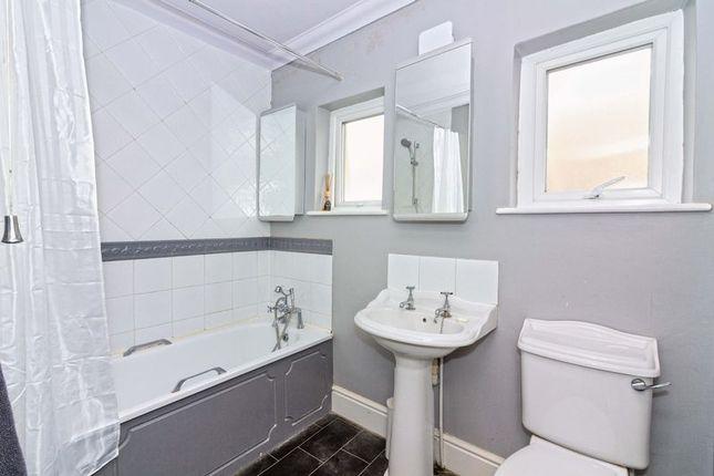 Bathroom of St. Georges Road, Worthing BN11