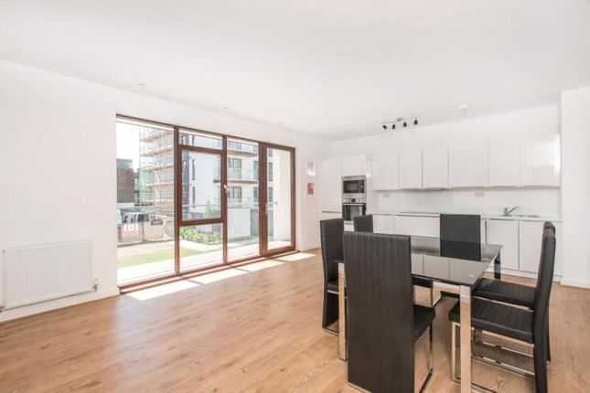 Thumbnail Flat to rent in Lollard Street, London