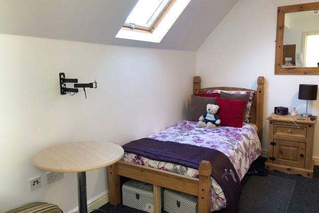 Studio to rent in Maud Avenue, Leeds, West Yorkshire LS11