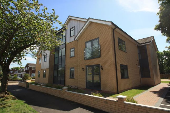 Thumbnail Flat to rent in Barnstaple Road, Southend-On-Sea