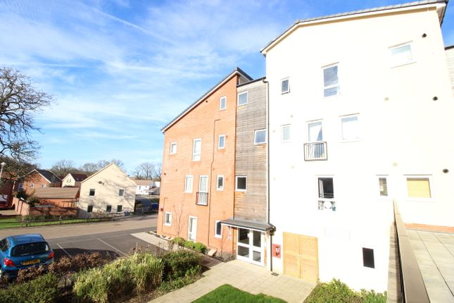 Thumbnail Flat to rent in Nicholson Park, Bracknell