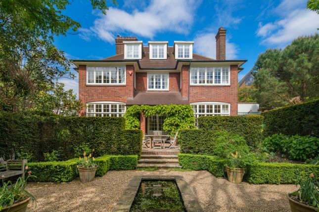 Thumbnail Detached house for sale in Heath Drive, Hampstead