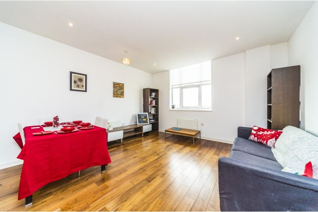 2 bed flat for sale in Bromyard Avenue, Acton