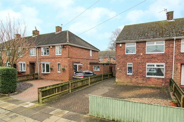 3 bed end terrace house for sale in Southwold Crescent, Scartho DN33