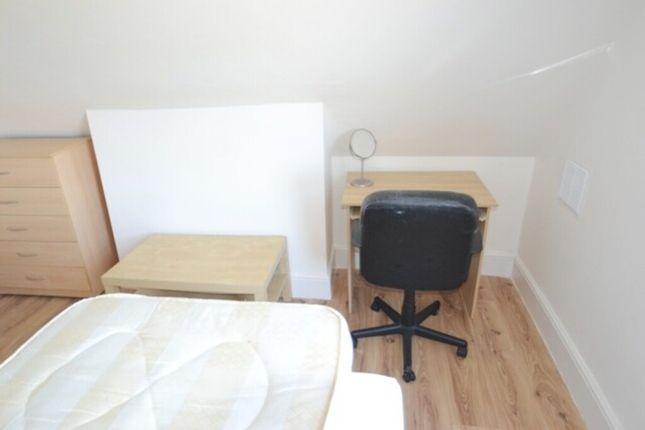 Bedroom 3 of N8, Turnpike Lane, - 3 Bedroom Flat