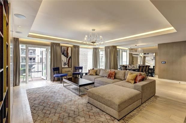 Thumbnail Flat to rent in Meadows House, Chelsea Creek, Park Street, London