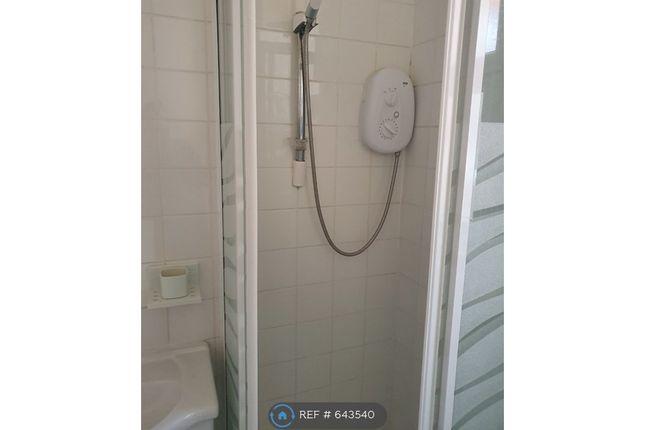 Shower of Edith Street, Northampton NN1
