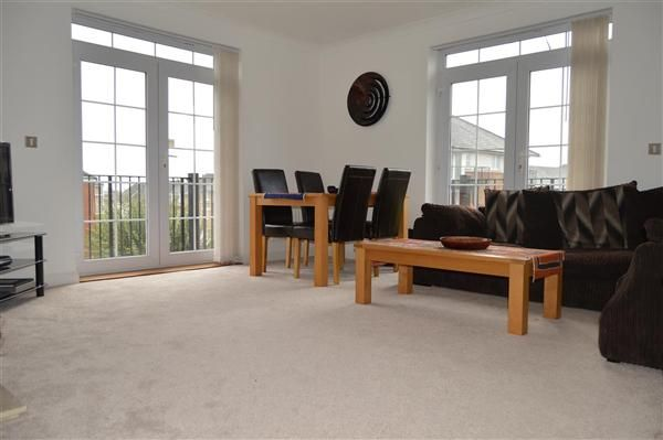 2 bed flat for sale in Lady Aylesford Avenue, Stanmore