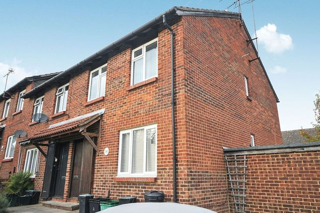 Thumbnail Flat to rent in Bishop Butt Close, Orpington