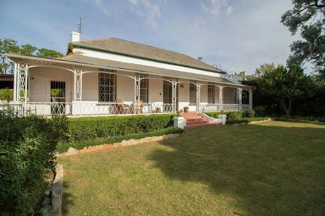 3 bed detached house for sale in 21 Oatlands Rd, Grahamstown, 6139, South Africa