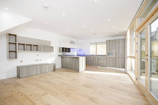 Thumbnail Property for sale in Moray Mews, Finsbury Park