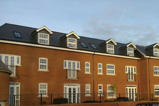 Thumbnail Flat for sale in 18 Maynard House, Moat Park, Great Easton, Essex