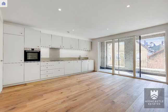 Thumbnail Flat for sale in Sprowston Mews, London