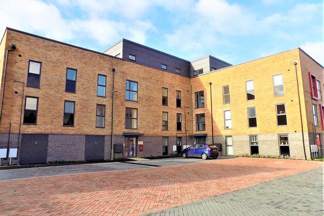 Thumbnail Flat to rent in Wells Close, Bordon