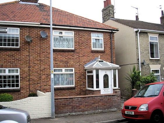 Thumbnail Property to rent in Lower Cliff Road, Gorleston