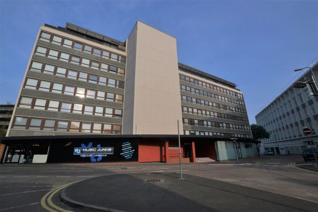Thumbnail Flat for sale in Metropolitan Apartment, Lee Street, Leicester