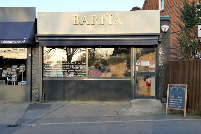 Thumbnail Restaurant/cafe to let in Clayton Parade, High Street, Langley, Slough