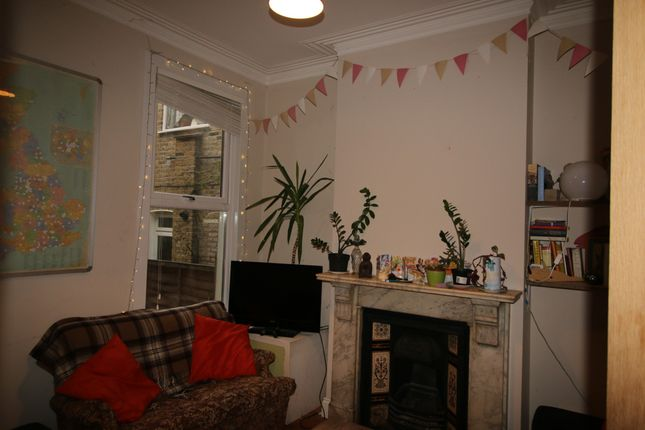 Thumbnail Flat to rent in Dundalk Road, London