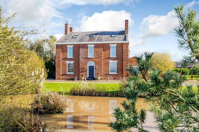 Thumbnail Detached house for sale in Middlewich Road, Minshull Vernon, Crewe