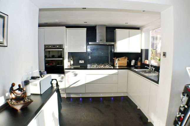 4 bed semi-detached house to rent in Homedale, Prudhoe NE42