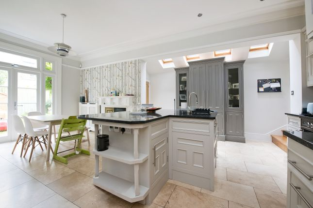 Thumbnail Property to rent in Elfindale Road, Herne Hill