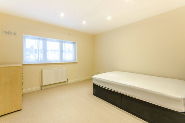 Thumbnail Property to rent in Lee View, Gordon Hill