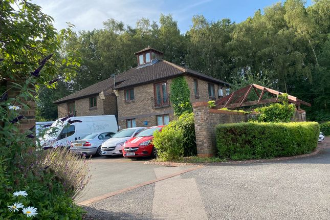 1 bed flat to rent in Dukes Ride, North Holmwood, Dorking RH5