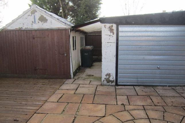 Rear Garages of Alandale Avenue, Eastern Green, Coventry CV5