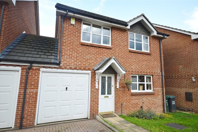 Thumbnail Link-detached house to rent in Meadowside, Woodside Road, Garston, Hertfordshire