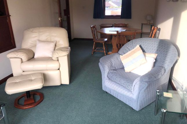2 bed flat to rent in High Street, Auchterarder PH3