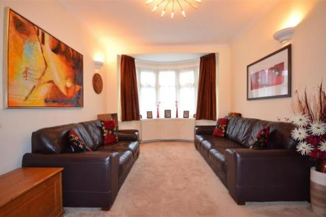 Thumbnail Terraced house to rent in Beattyville Gardens, Ilford