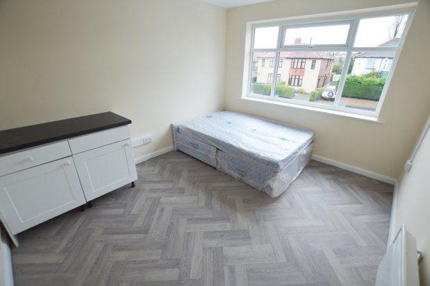 Studio to rent in Gleadless Road, Sheffield S12