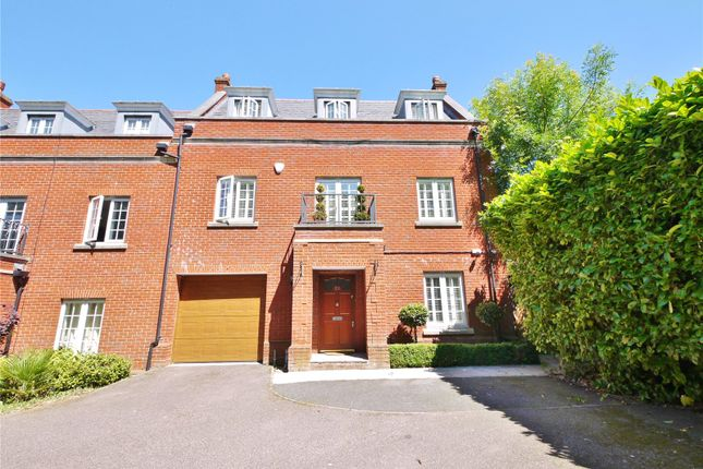 Thumbnail End terrace house for sale in Osborne Heights, Warley, Brentwood, Essex