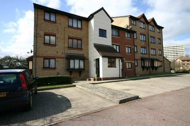 Thumbnail Property for sale in Magpie Close, Enfield