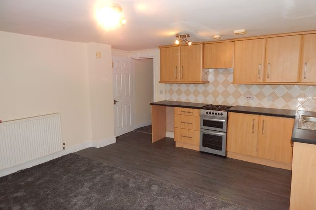 2 bed flat to rent in Wellfield House Halifax Road, Dewsbury WF13