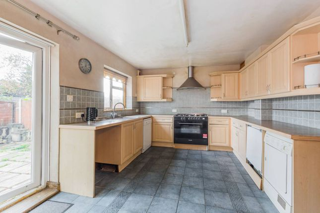 Thumbnail Terraced house to rent in Pembroke Road, Seven Kings, Ilford