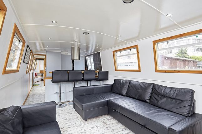 Thumbnail Houseboat for sale in St Katharine Docks, London