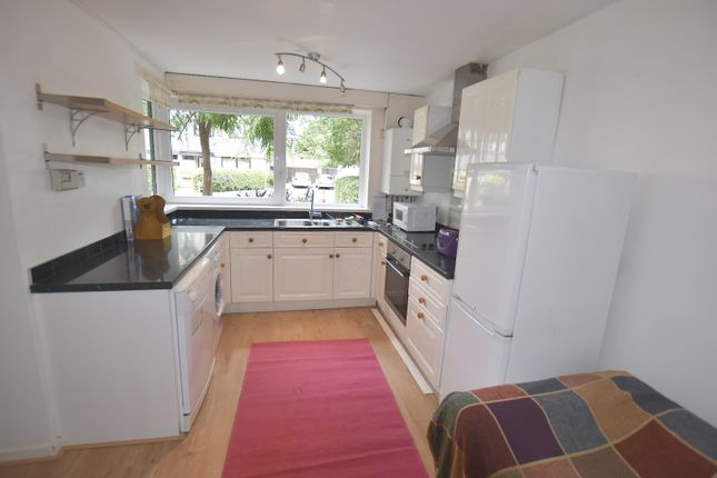 Thumbnail Maisonette to rent in Ericcson Close, London