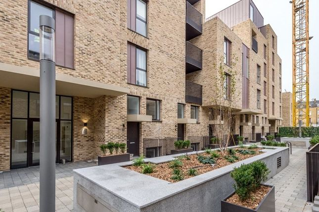 Thumbnail Flat to rent in St Pancras Place, Hand Axe Yard, Kings Cross, London