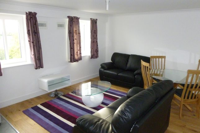 2 bed flat to rent in Riverside Court, Biggleswade SG18