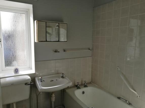 Bathroom of Caprington Gardens, Kilmarnock, East Ayrshire KA1