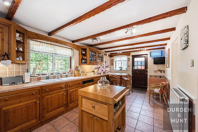 Kitchen of School Road, Rayne CM77