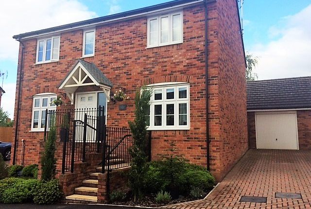 Thumbnail Detached house for sale in Rhiwderin, Newport