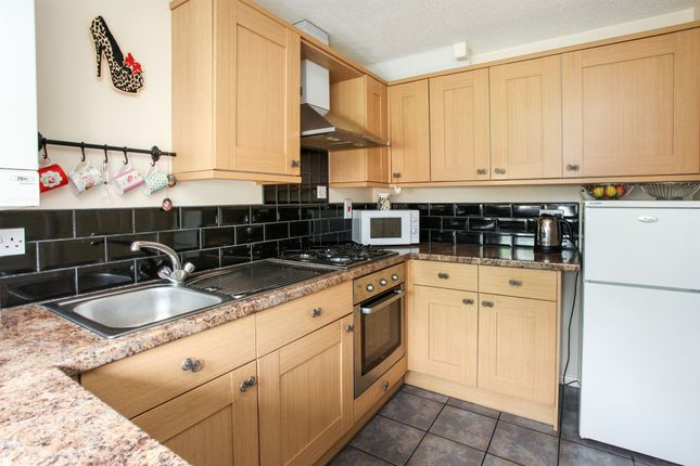 Thumbnail Semi-detached house for sale in Hedgerow Close, Rownhams, Southampton