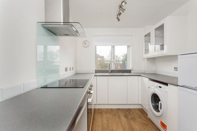 Thumbnail Flat to rent in Tithe Barn Close, Kingston Upon Thames