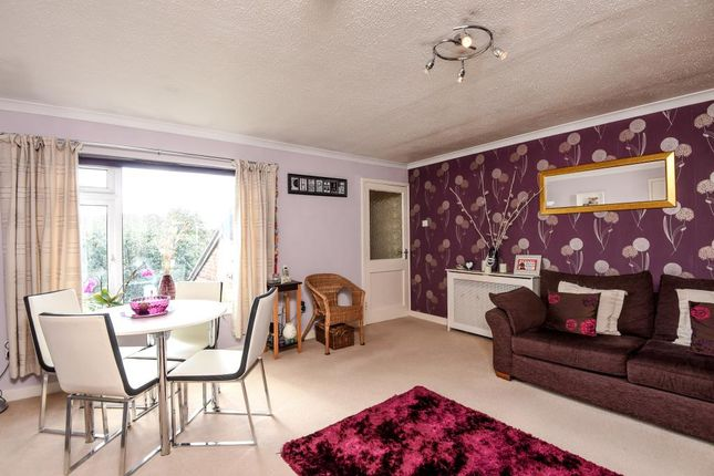 Thumbnail Maisonette for sale in Sadlers Court, North Abingdon