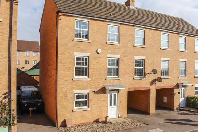 Thumbnail Semi-detached house to rent in Cormorant Way, Leighton Buzzard