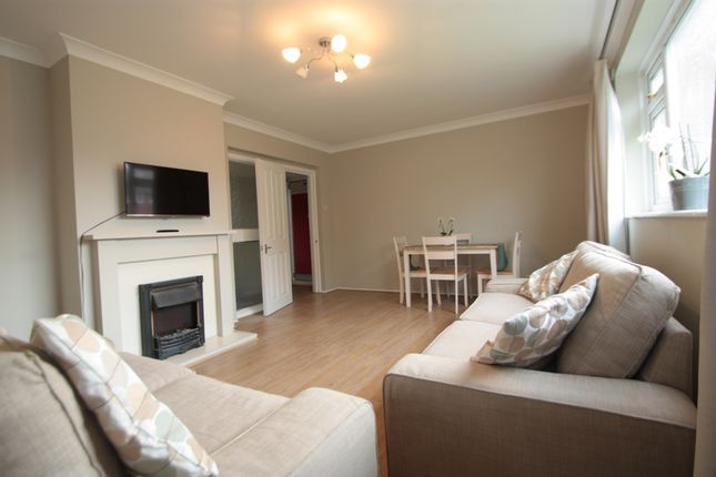 Thumbnail Flat to rent in Grasmere Road, Streatham