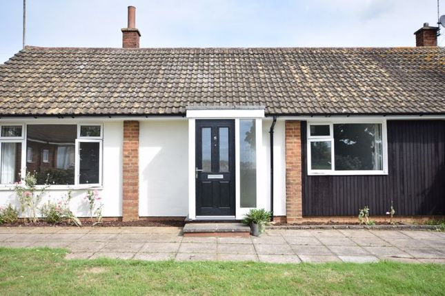 Thumbnail Bungalow to rent in Park Gate, Wing, Leighton Buzzard
