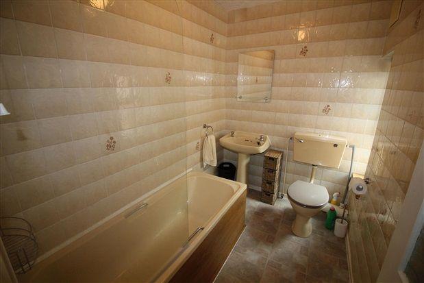Bathroom of Richmond Road, Lytham St. Annes FY8